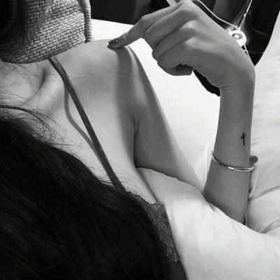 女生身体部位图头像