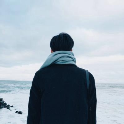 新款好看的男生孤独背影头像高清图片